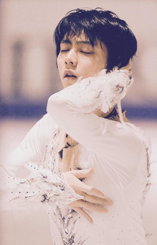 Yuzuru Hanyu e Notte Stellata (The Swan): un elegante cigno e una serenata sotto un cielo di stelle