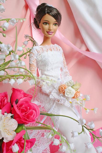Abito da sposa per Barbie. Quinto esperimento.