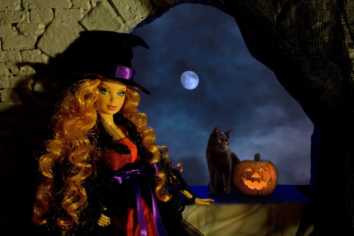 Tutorial per Barbie 1: Regaliamo alle nostre Barbie un cappello da strega per Halloween!