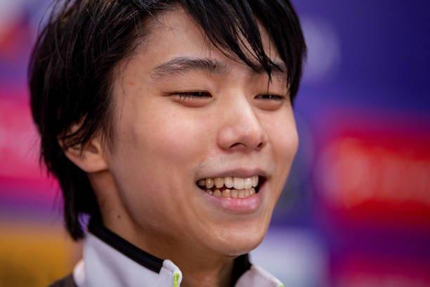 YuzuNews 24 novembre 2018: Restiamo in attesa di notizie, ma nel frattempo… Yuzuru si è qualificato alla Finale come primo! Congratulazioni!