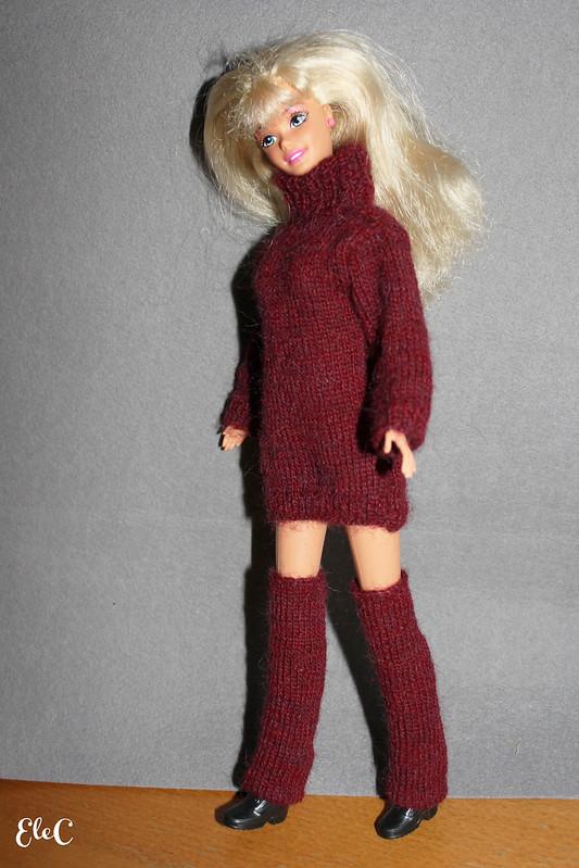Creazioni varie per Barbie 01: Maglioncino e scaldamuscoli su commissione